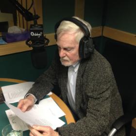 Derek Jacobi reading in studio