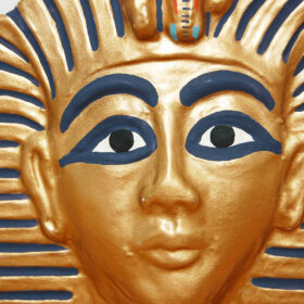Tactile picture of Tutankhamun's gold, red and blue mask